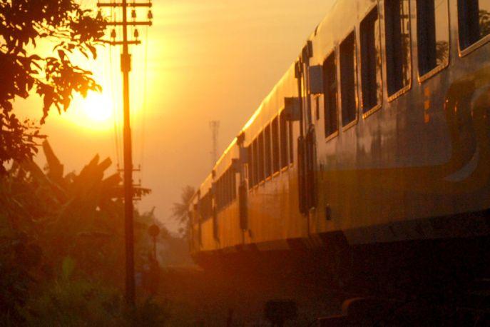 kereta-api-senja